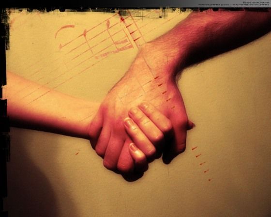holding-hands-photography-535693_1280_10241