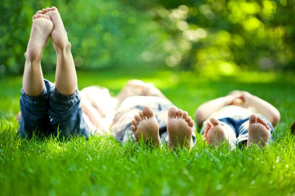 http://cdn.sheknows.com/articles/2012/08/sarah_parenting/nature-kids.jpg